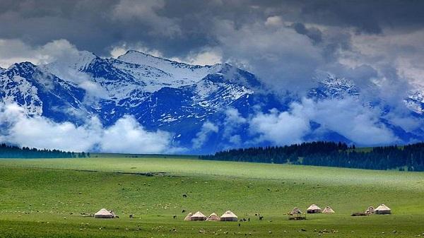 成都好的养老院一暄康养:新疆维吾尔自治区