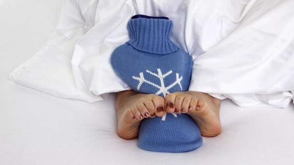 手脚出汗严重,可能是身体出现问题,成都养老院这样说-手脚冰凉