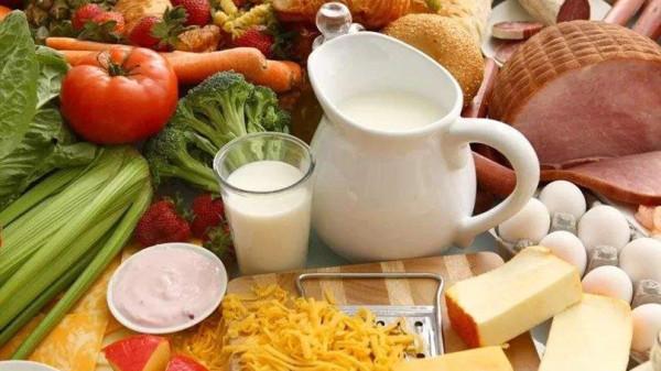 成都养老院一暄康养经验分享:骨质疏松症患者应避免同时食用含草酸多的食物和高钙食物