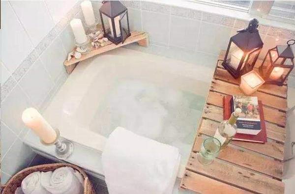 成都青羊区养老院-一暄康养推荐老人腰痛的缓解方法(三)-温水泡澡1