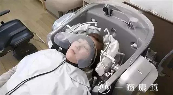 洗头机器人