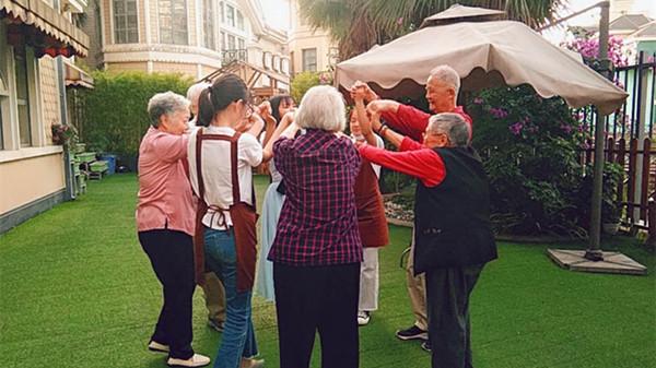 成都青羊区养老院告诉您跳舞对老年人的好处2