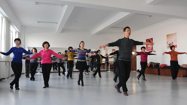 成都青羊区养老院告诉您跳舞对老年人的好处3