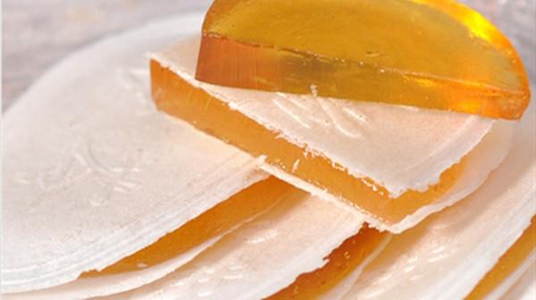 成都养老院一暄康养带您了解春季哪些美味零食对健康会造成威胁(3)-茯苓饼1