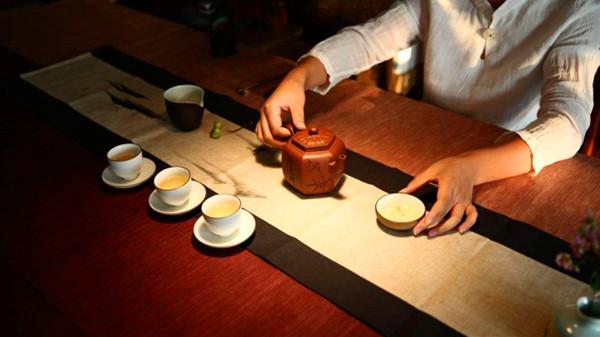 成都养老院-一暄康养推荐健康生活的养生最佳时间(一)-喝茶