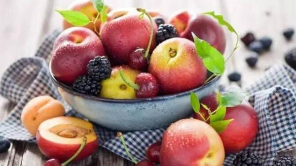 成都养老院-老年人在夏季应如何选择适合自己体质的水果1