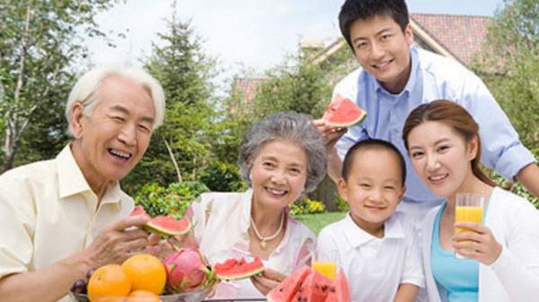 成都高端养老院-老年人在夏季应如何选择适合自己体质的水果2