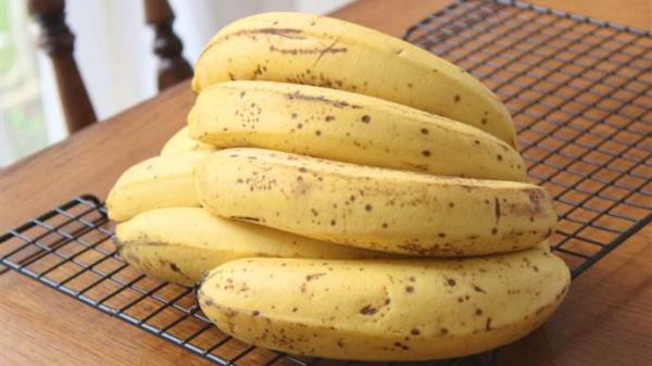 成都服务好的养老院一暄康养分享对便秘有帮助的食物(二)-有黑斑的香蕉
