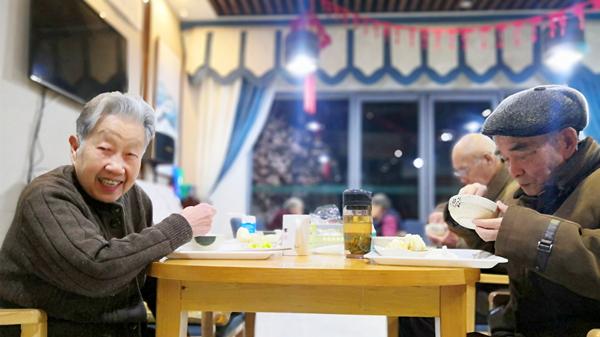 成都金牛区养老院一暄康养推荐适合老人的饮食原则