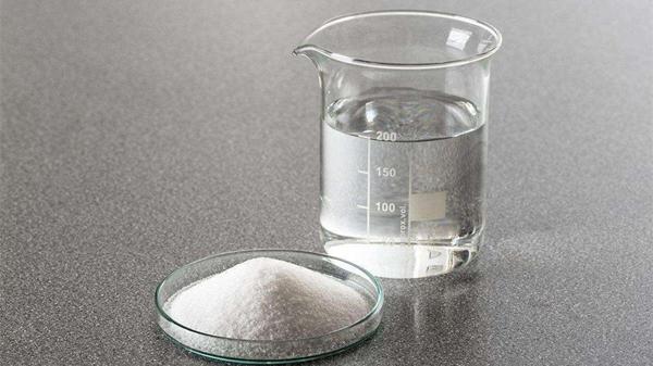 科学健身需要科学饮食,成都养老院为您分享老人健身的饮食原则-补充淡盐水