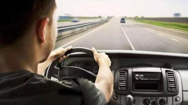 成都养老院一暄康养提醒开车时需要谨记11点 (1)-开车1