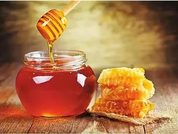 成都养老院-一暄康养推荐蜂王浆的功效与作用-蜂蜜