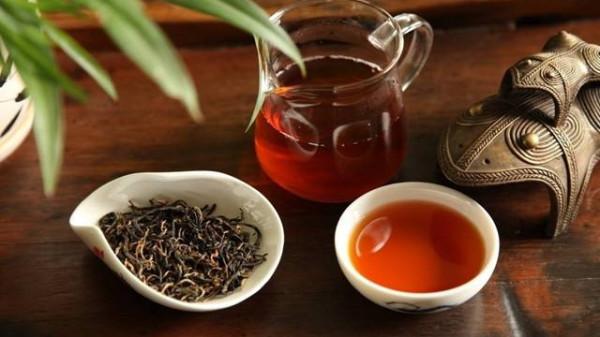 成都养老院经验分享适合中老年降血压的六款养生茶饮,你可别再喝错了(上)-首乌茶