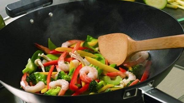蔬菜有营养!成都好的养老院一暄康养告诉你这些吃蔬菜的误区(二)-加油太多