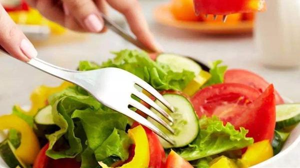 成都高端养老院一暄康养建议低脂肪饮食,让血压不起波澜